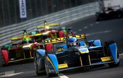 InstaForex вновь выступит официальным партнёром Dragon Racing