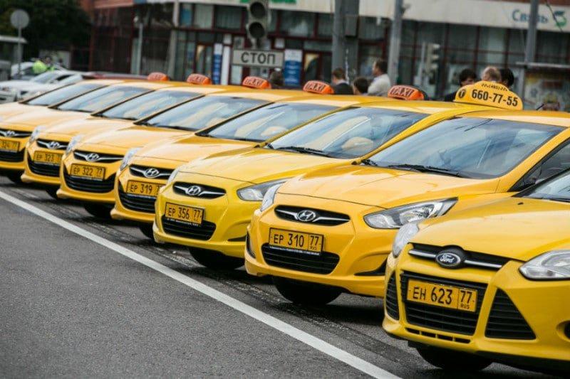 ФАС старается облегчить работу таксистов в столичных аэропортах
