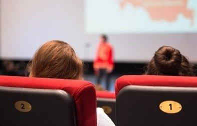 Депутаты предложили обустраивать кинотеатры лишь на первых этажах торговых центров