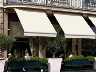 Современные солнцезащитные системы для магазинов, кафе и ресторанов - маркизы и навесы