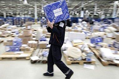С сегодняшнего дня «Почта России» вправе вскрывать посылки россиян