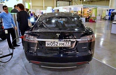 ЛДПР предложила освободить от уплаты транспортного налога собственников электрокаров