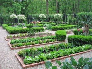 Французские украшения грядок для сада