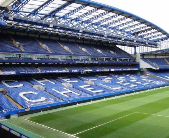 «FT»: ФК «Челси» мог отложить строительство стадиона из-за проблем Романа Абрамовича