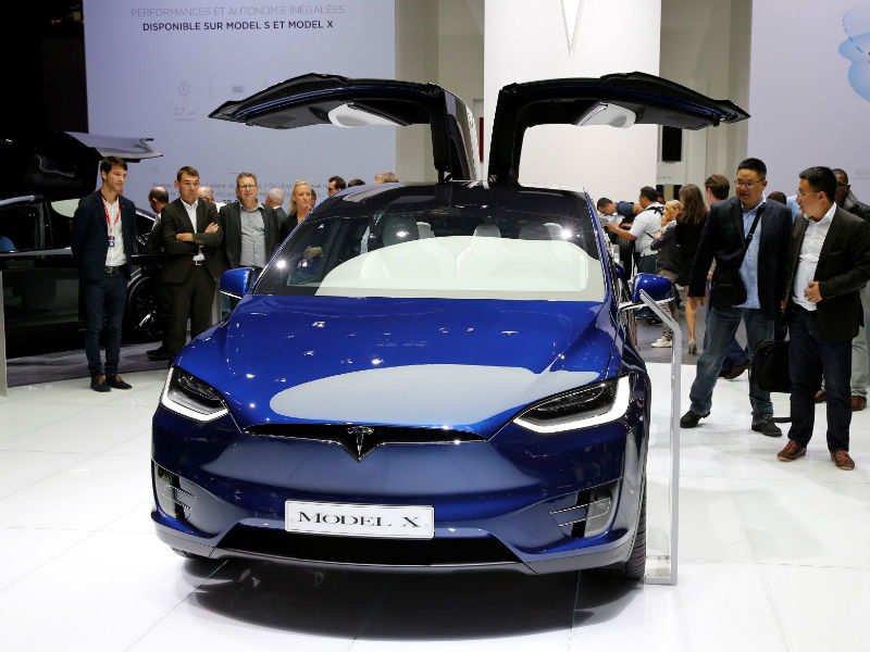 «Tesla» едет в «Связной»