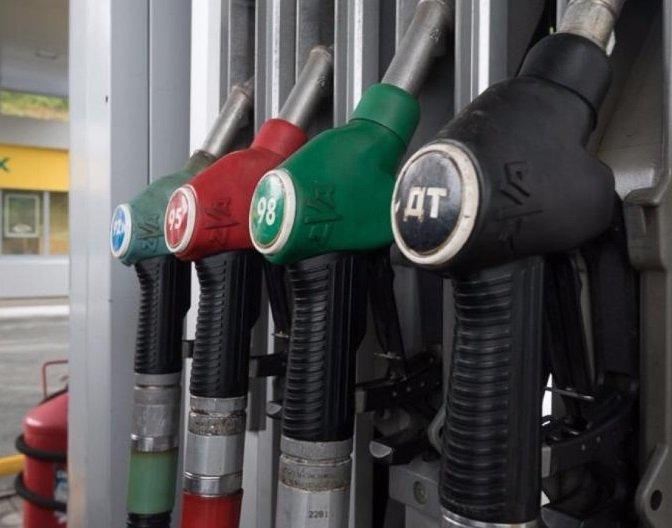 Правительство сможет наказать нефтяников за рост топливных цен
