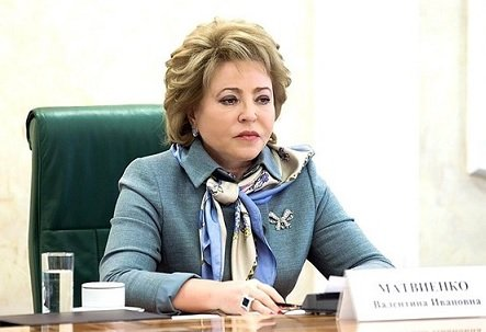 «Нецарское это дело»: Матвиенко обрушилась начиновников занезнание зарплат почтальонов