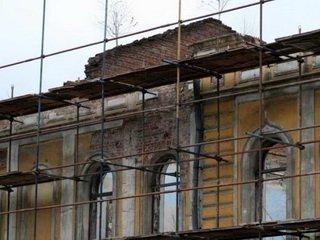 Как происходит реставрация памятников архитектуры?