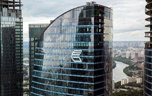 Внешторгбанк требует с CEFC 170 млн долларов по сделке с ценными бумагами группы Дерипаски