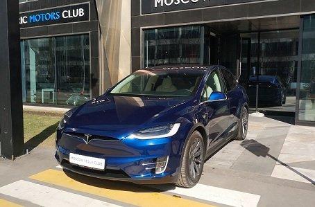 «Связной» объявил о запуске сервиса аренды электрокаров Tesla