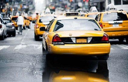 Мэр Москвы намерен запретить водить такси владельцам иностранных прав
