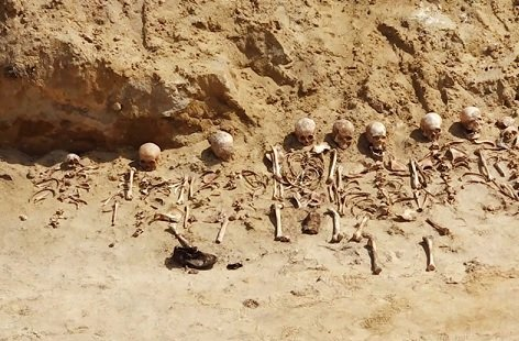 МЭР предложило наказывать девелоперов, застраивающих военные захоронения