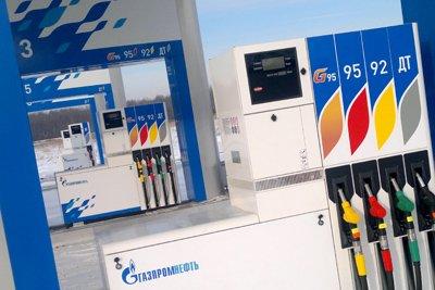 Сотрудники МВД зафиксировали недолив бензина на ста столичных АЗС