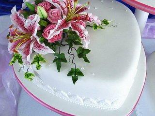 Торжественные торты из мастики — радость для глаз и живота