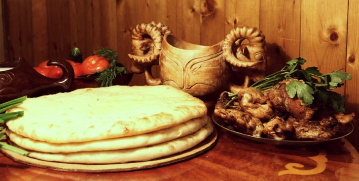 Осетинские пироги в Москве с доставкой от пекарни Пирогор