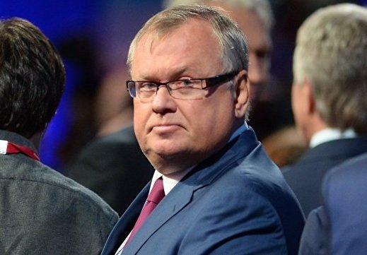 В случае введения новых санкций долларовые вклады будут защищены — глава ВТБ