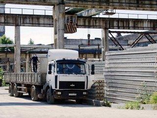 Особенности доставки ЖБИ автотранспортом