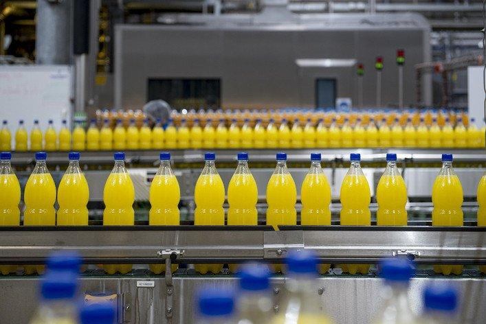 «Suntory» хочет возобновить выпуск газировки в России