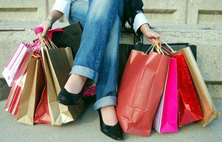 Где и как продать одежду в Москве?