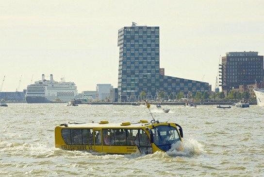 В 2020 году по центру Москвы начнут перемещаться автобусы-амфибии