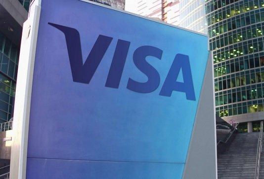 Центробанк готовит банки к отключению от MasterCard и Visa