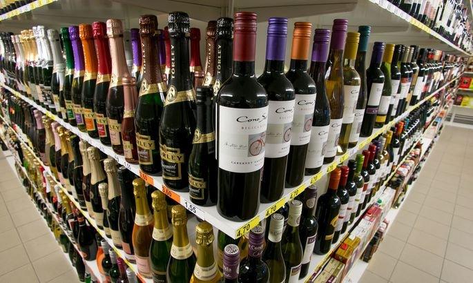 Выручка нелегальных онлайн-продавцов алкоголя растет, несмотря на запреты