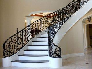 Изготовление деревянных лестниц по индивидуальным проектам от Лестница100