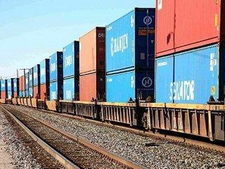 Железнодорожные перевозки грузов: преимущества и значимые особенности