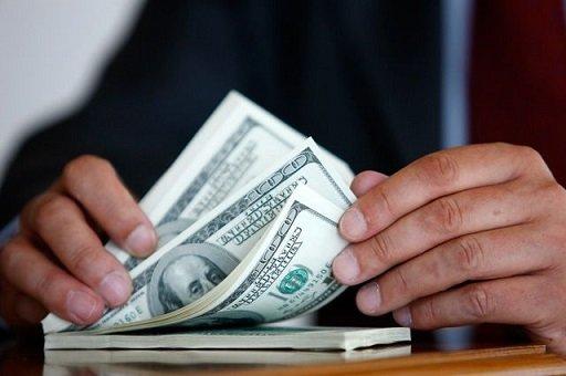 Объем краткосрочных валютных вкладов увеличился в полтора раза