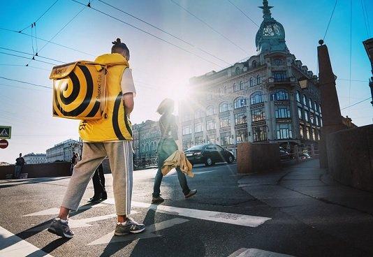 «Яндекс.Еда» больше не будет доставлять блюда бесплатно