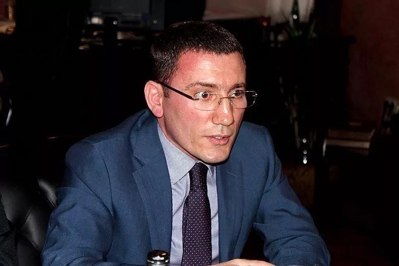 Бенефициар «Нафтагаза» Токай Керимов, по всей видимости, ищет укрытие от кредиторов в Европе