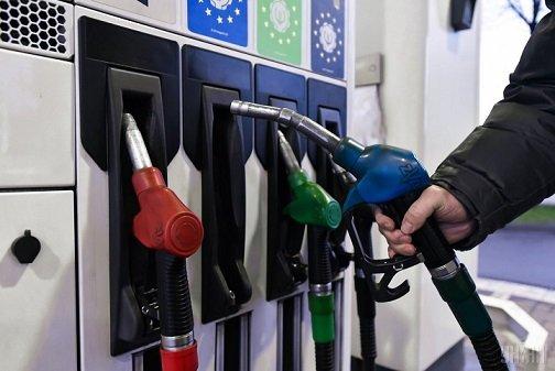 Российский рынок бензина ждет затоваривание