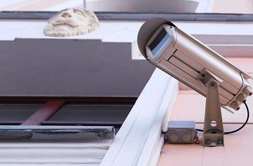 Московские приставы начали использовать уличные видеокамеры для поиска должников