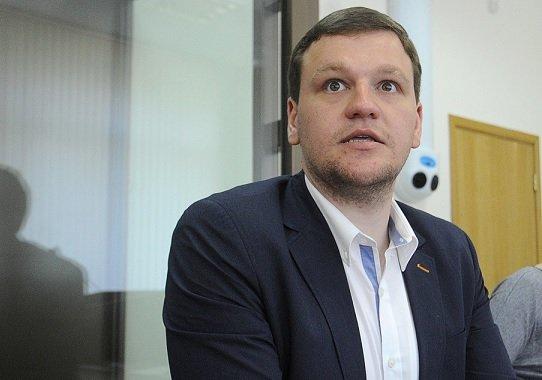 Алешковский будет судиться с «Аэрофлотом» из-за отнятого платинового статуса