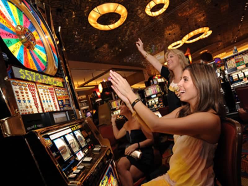 Тестовая игра и игра на деньги в казино Вулкан Вегас
