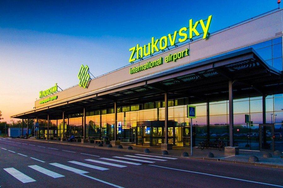 Структура ОАК требует 300 млн рублей с аэропорта «Жуковский»