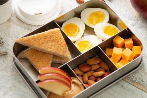 В Bloomberg подсчитали, за сколько жители Москвы могут заработать на завтрак