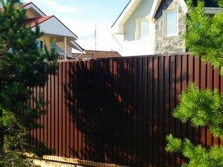 Забор для дачи - заказать или построить самому?