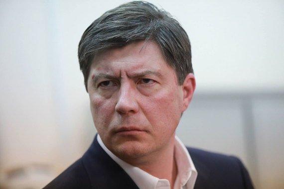 Юристы Альфа-банка подали в отношении Хотина сразу пять исков