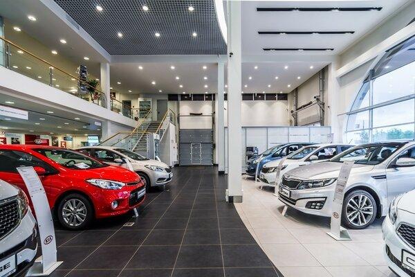 Реальные продажи автомобилей сократились в мае на 18%