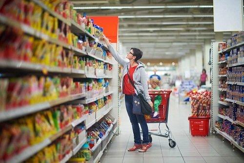 Россияне тратят не еду 40% своих доходов — Сбербанк
