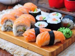 Где заказать доставку суши и роллов в Сарапуле