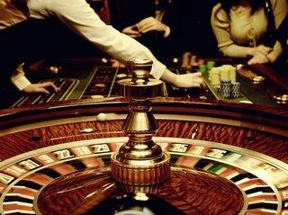 Обзор игрового онлайн заведения казино Император