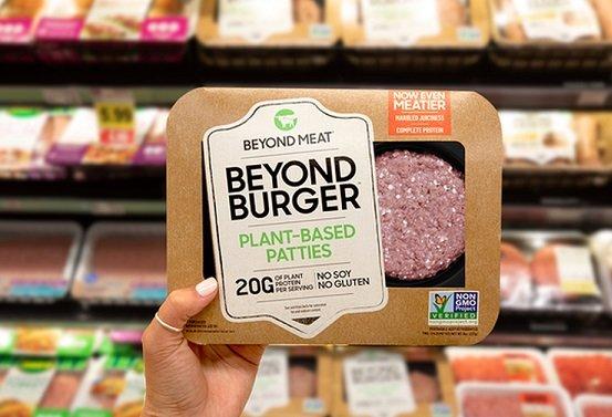 «Азбука вкуса» займется продажей котлет Beyond Meat