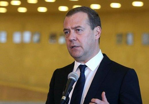 Медведев напомнил о дешевизне интернета в России