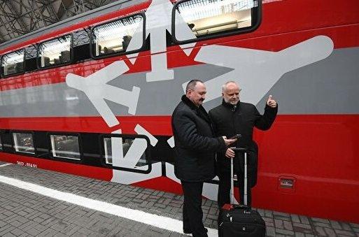 В Шереметьево начали ходить двухуровневые «Аэроэкспрессы»