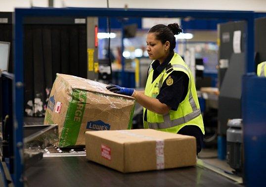 В приложении «Почты России» появятся товары с Goods