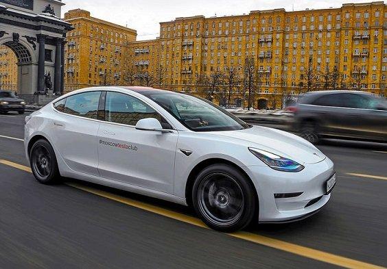 Власти Москвы отменили транспортный налог для владельцев электрокаров