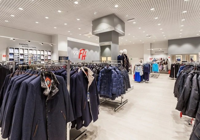 Ритейлеры заявили о резком падении спроса на теплую одежду