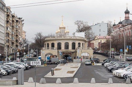 «Киевская площадь» взяла под контроль Центральный рынок